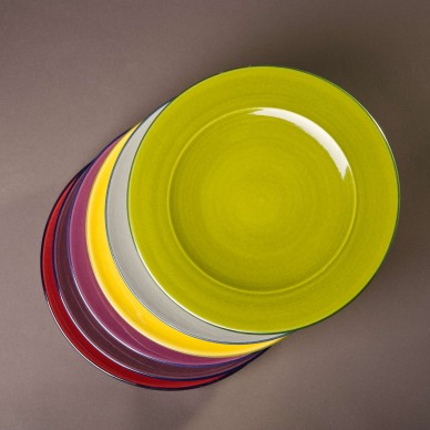 Set of six plates