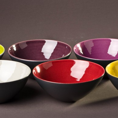 Set of six service Bowls